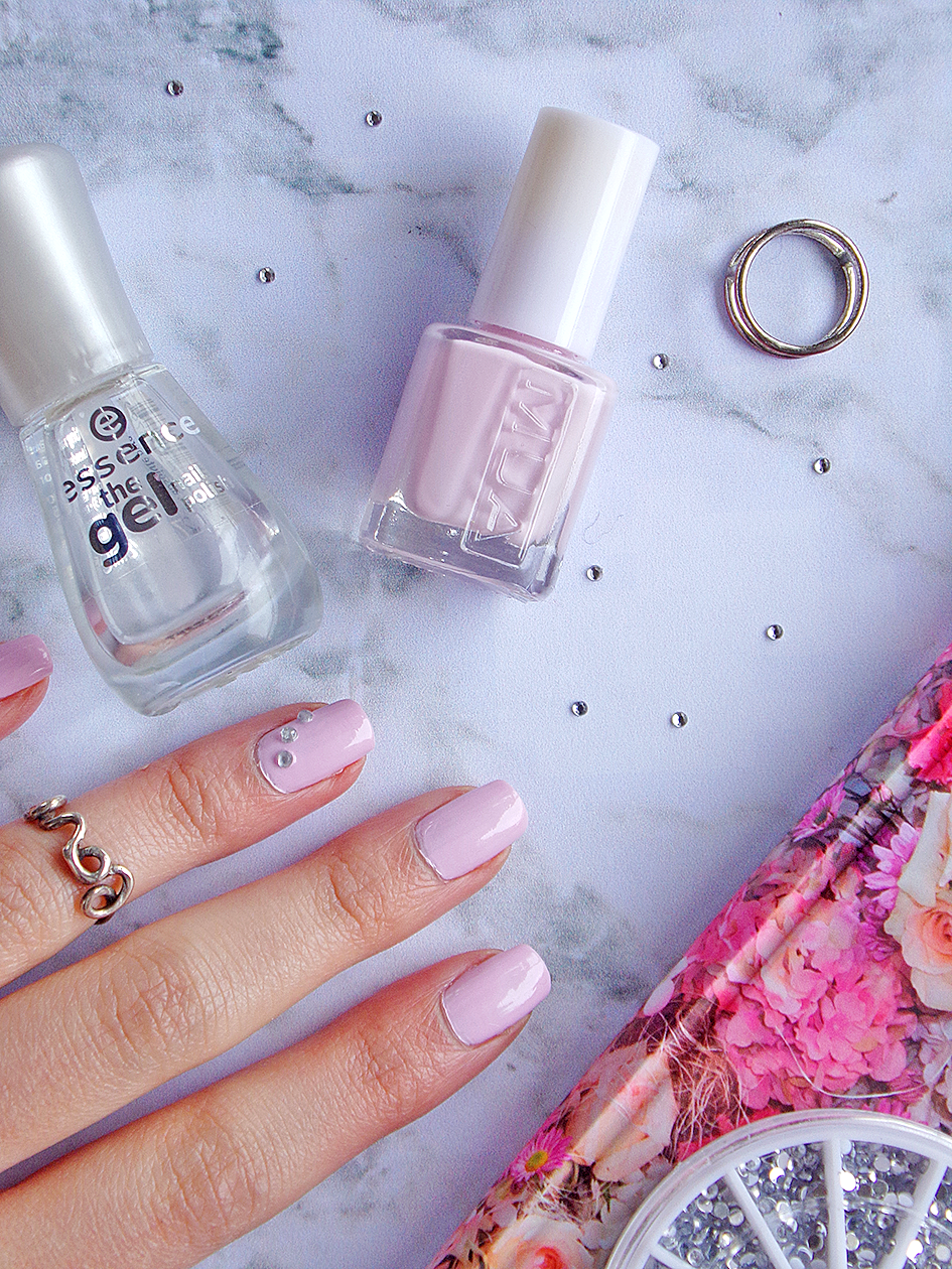 Pink Nails For Valentine\'s Day - Tea & Curls