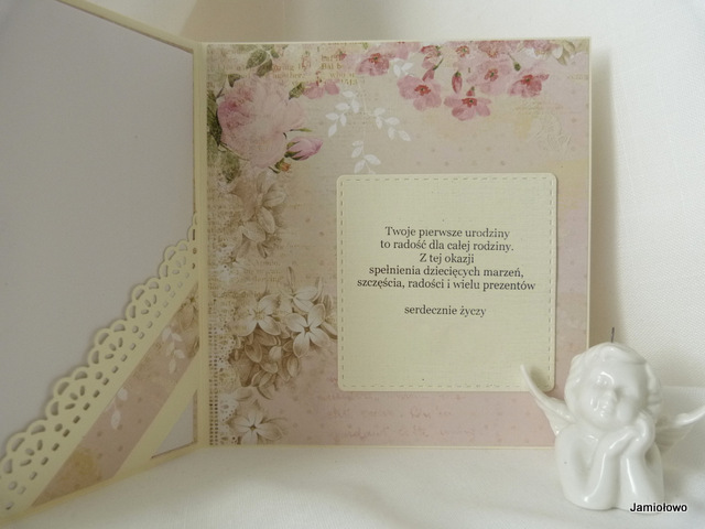 papiery do scrapbookingu z kwiatowym motywem