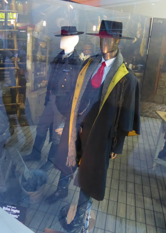Samuel L Jackson and Walton Coggins Hateful Eight costumes