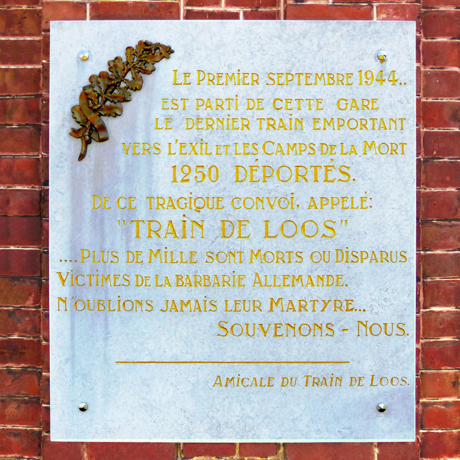 La plaque commémorative du Train de Loos