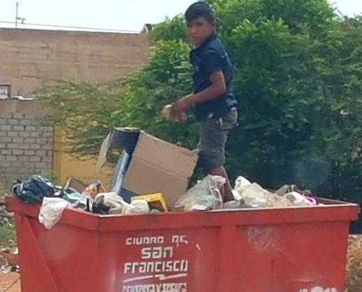 ¿HASTA CUÁNDO LA INDOLENCIA? Niños buscan comida entre la basura en Zulia (+Fotos)
