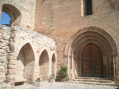 Gothic doorway of the church of Santa Maria in Guimerà