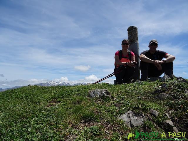 Ruta al Pierzu desde Priesca: Cima del Pierzu e índice geodésico
