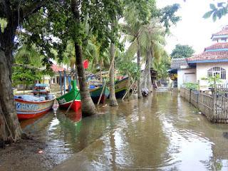 Sungai Cilamaya Karawang Meluap,Ini Akibatnya