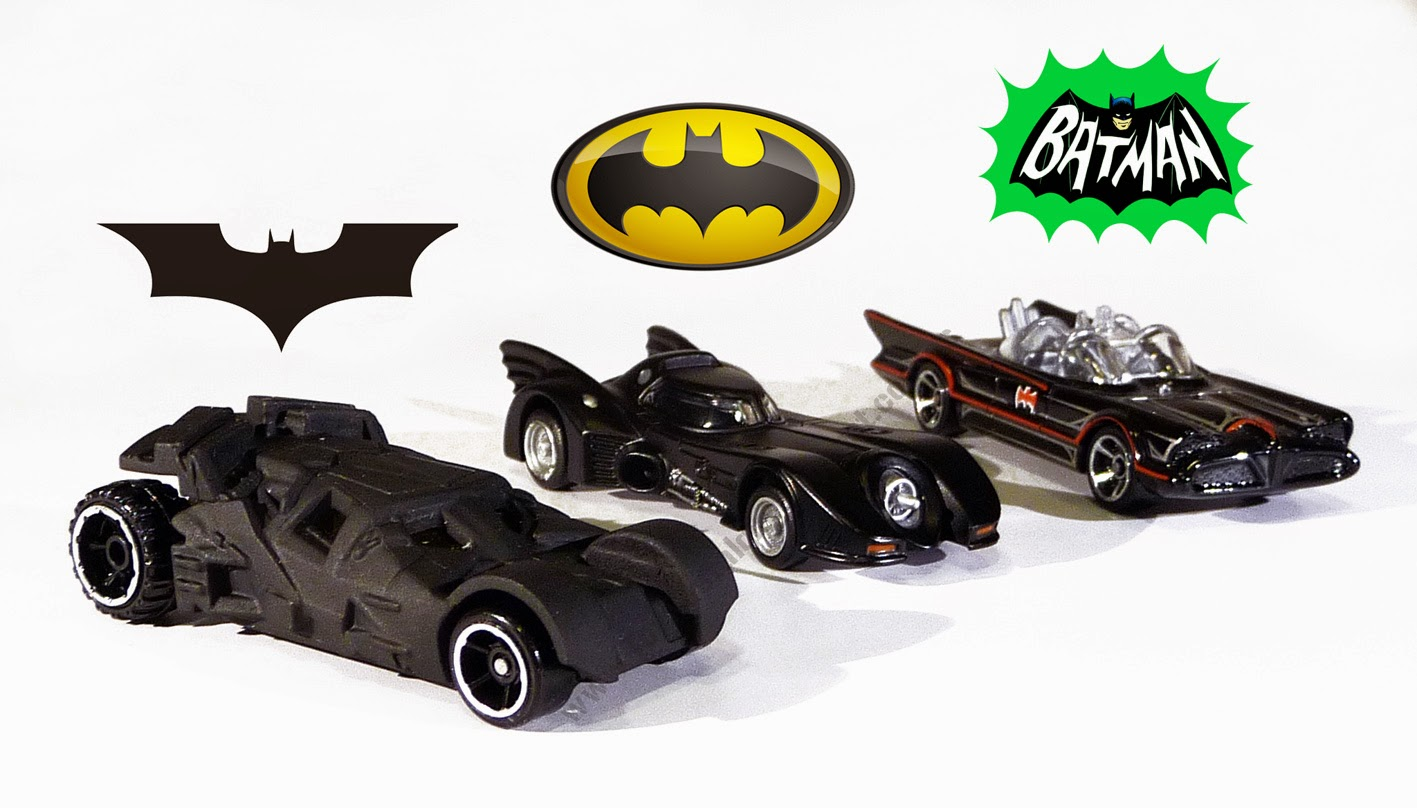 Batman Batmobile Evolution Cars & logo - HotWheels - Tomica