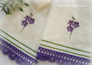 towels with crochet lace
