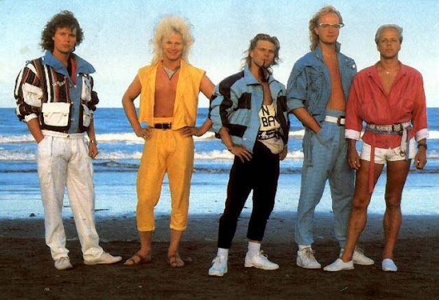 Pictures of men's Fashion in the 80s