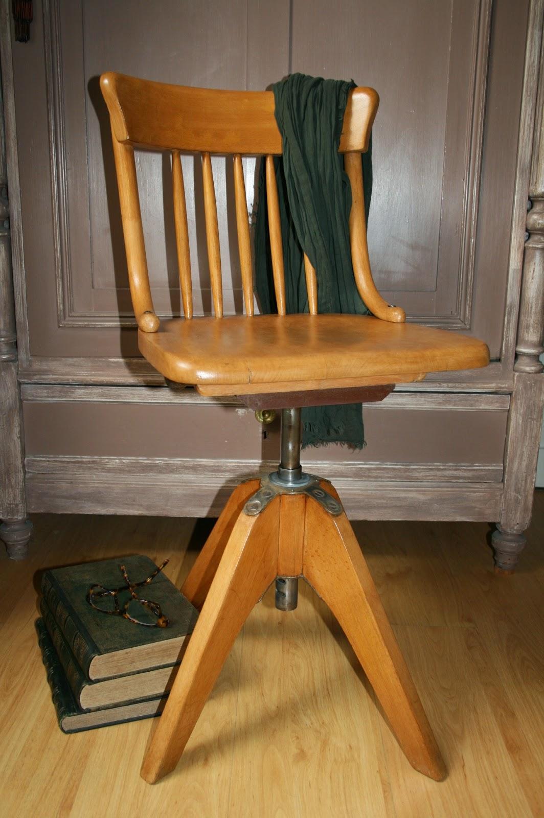 c 39 est la re cr ation vintage scolaire vintage coup de c ur chaise d 39 architecte vintage. Black Bedroom Furniture Sets. Home Design Ideas
