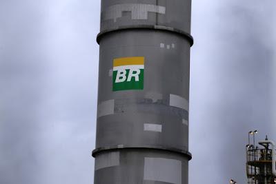 Petrobras corta preço da gasolina na refinaria em 2,73%; mantém diesel