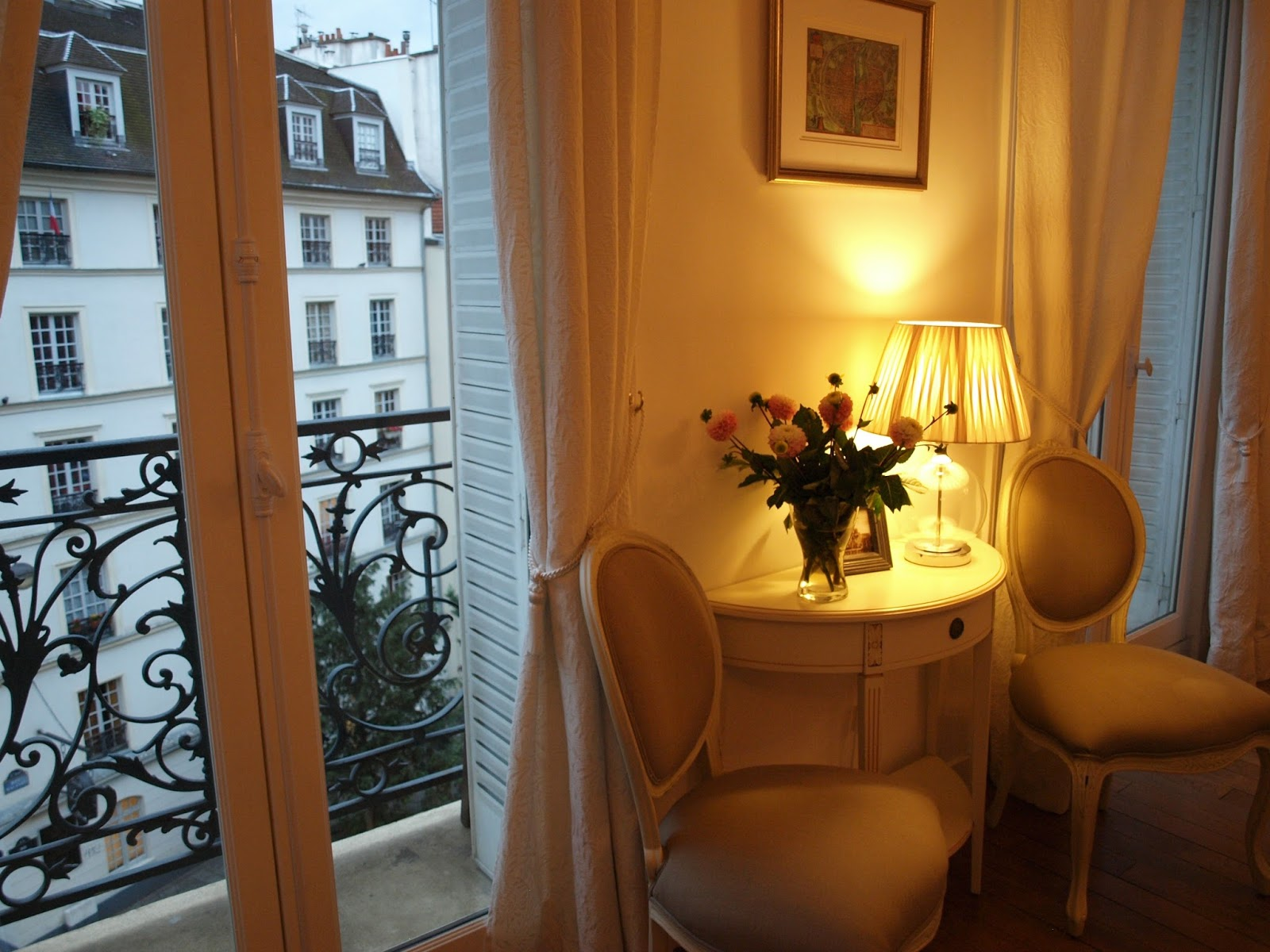 Home decor inspiration the paris apartment we rented for Home decor nearby