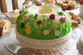 Summer Meadow Grass and flowers Birthday Cake