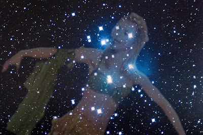 Mitologia Pópica - Deusas dos Escândalos - Constelação das Neides (ou Britney Stars) vista no céu noturno