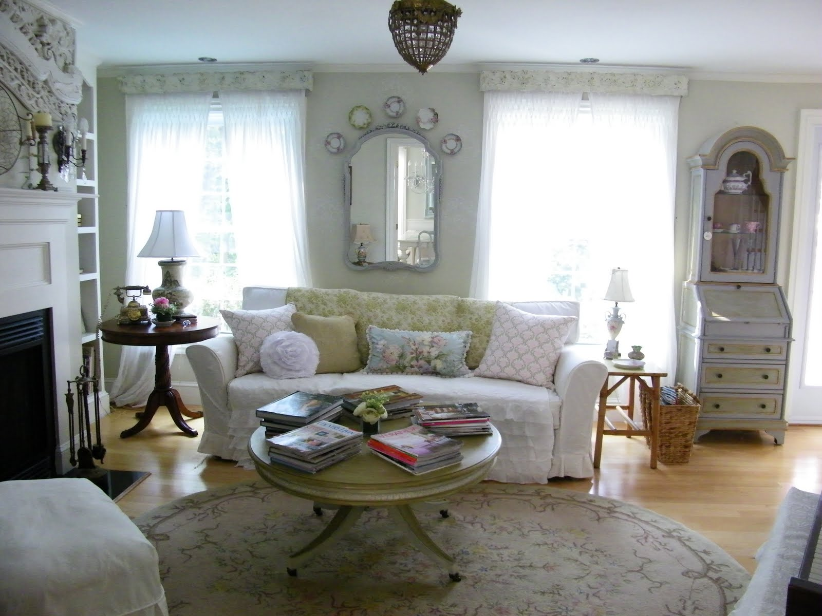 Maison Decor Vintage Brass Cornices In Living Room