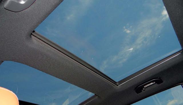 Mercedes AMG GLE 43 4MATIC Coupe 2018 trang bị cửa sổ trời siêu rộng Panoramic