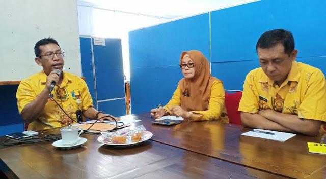 Jabat Plt, Sarianto Adakan Pertemuan dengan ASN DPKP Soppeng