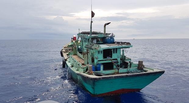 Bakamla dan KKP Tangkap 14 Kapal Vietnam di Perairan Natuna