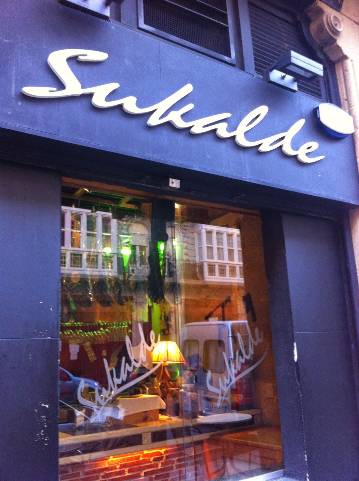 Entrada al restaurante Sukalde en Bilbao