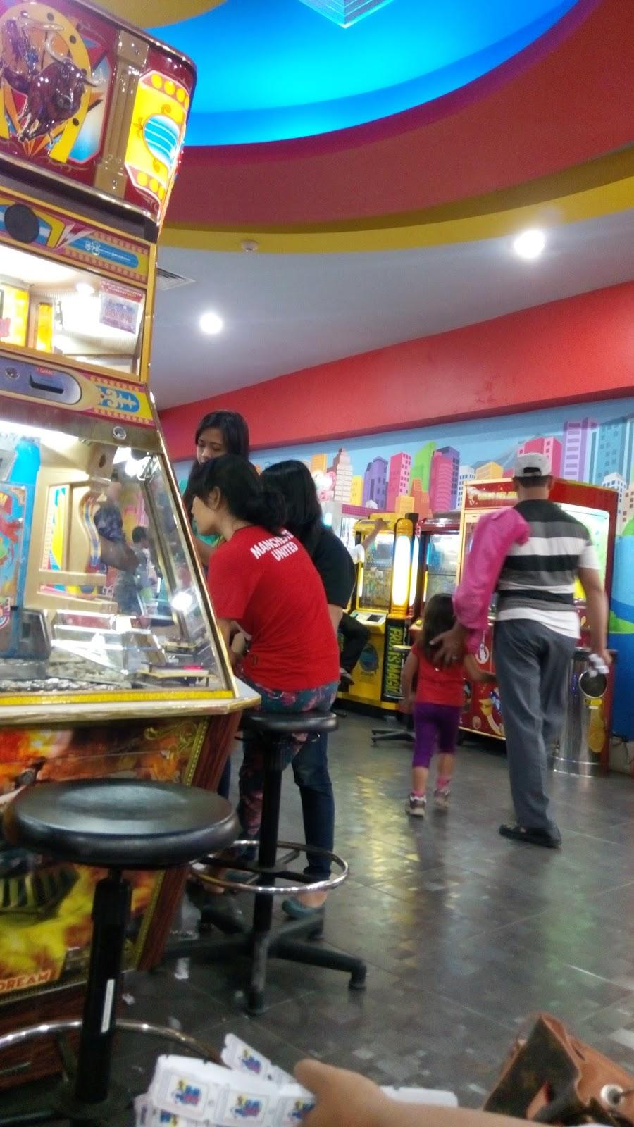 tempat main keluarga di mall, kegiatan permainan di mall