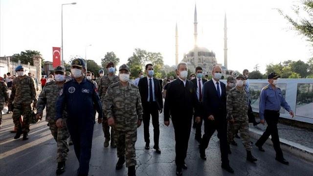 Τουρκικά ΜΜΕ: Στα ελληνοτουρκικά σύνορα ο Ακάρ-Επιθεώρησε τα στρατεύματα (ΦΩΤΟ-ΒΙΝΤΕΟ)