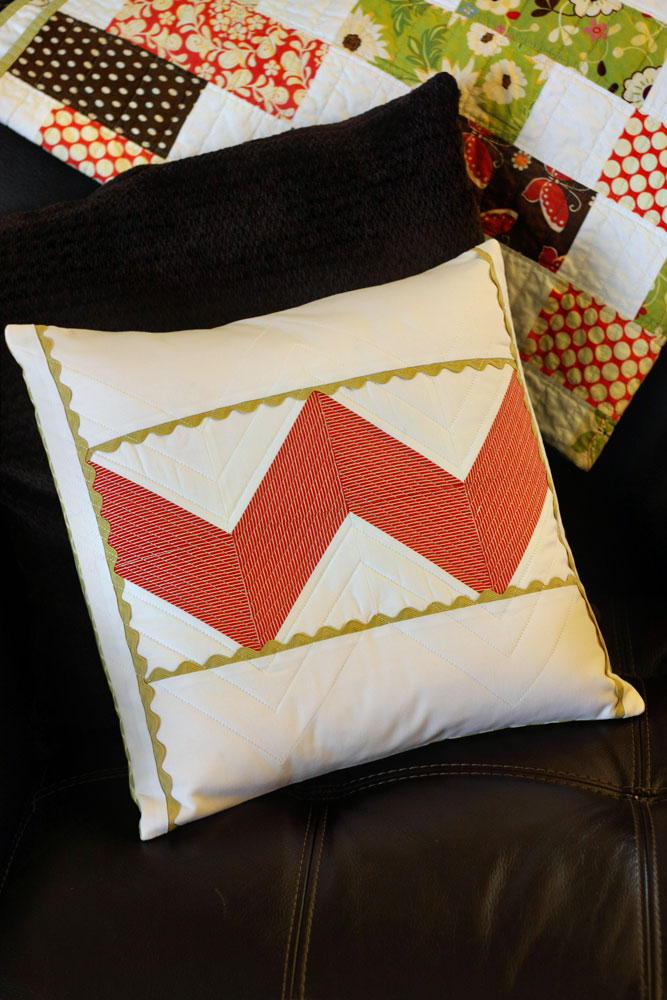 how to make a pillow sham or cover sewing pattern tip junkie. Black Bedroom Furniture Sets. Home Design Ideas