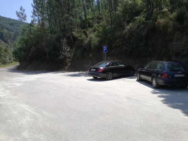 Parque de Estacionamento Praia de Pego Escuro