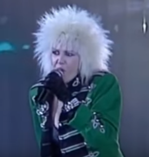 Spagna performing her 1986 hit Easy Lady