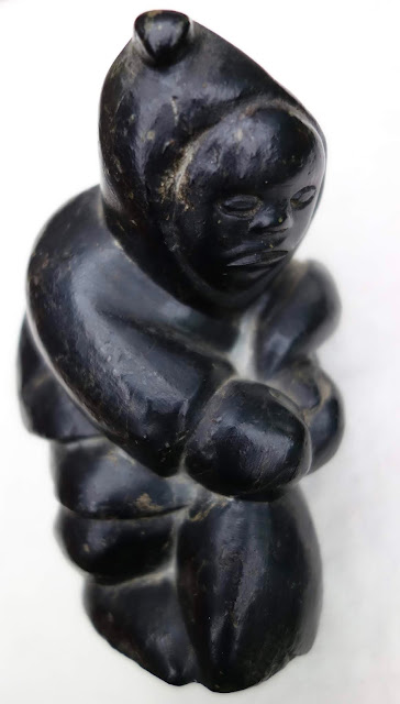 inuit carving by pauloosie weetaluktuk