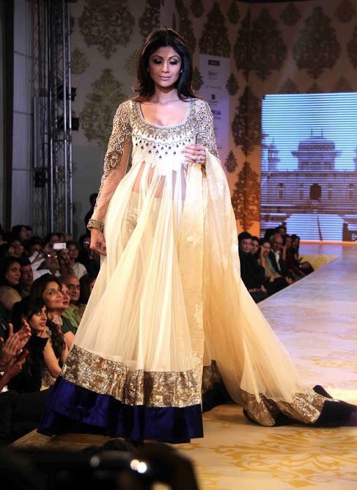 shilpa shetty sizzling photo gallery