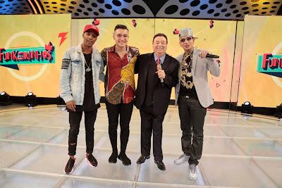 Raul com MC Guimê, Misael e MC Gui (Foto: Rodrigo Belentani)