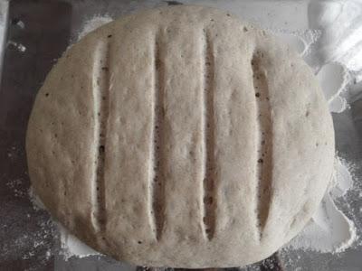 Gros pain de seigle après la deuxième levée