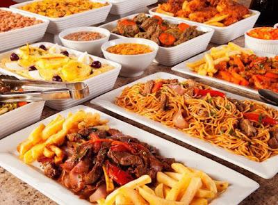 trưng bày thức ăn buffet cách bắt mắt