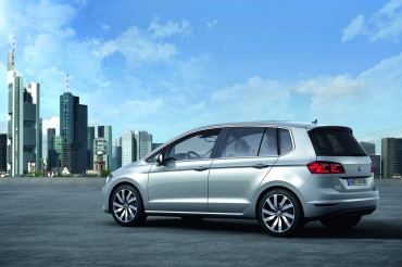 2016 Volkswagen Golf Hybrid next generation plan  back view