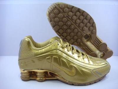 brand new 140a6 01756 ... Nike Shox R4 womens Gold ...