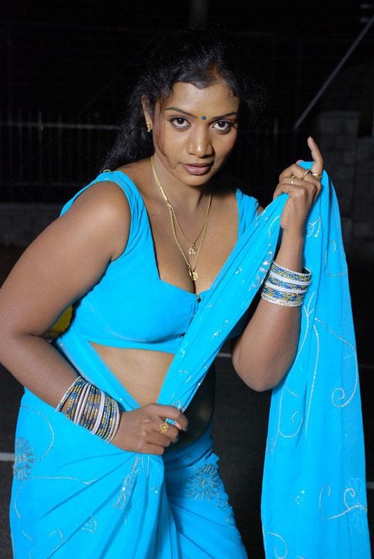 Latest Movies Gallery Aunty Saree Removing Hot Stills-8382