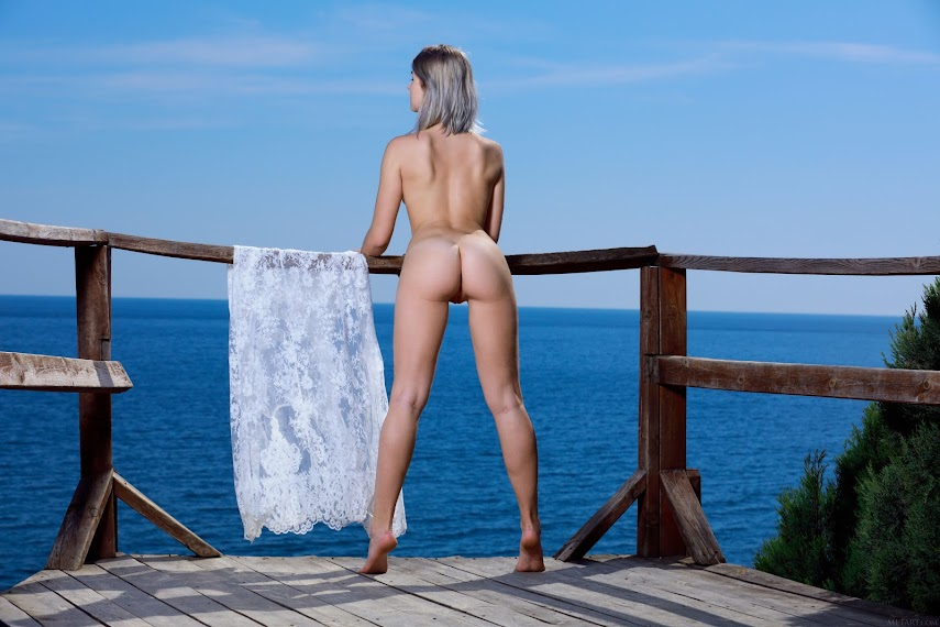 MetArt Libby Sea Gazing