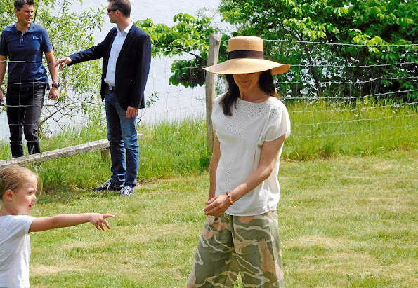 "Prince Henrik, Crown Prince Frederik, Crown Princess Mary, Prince Christian, Princess Isabella, Prince Vincent and Princess Josephine visited the ""Wood Stories"" festival"