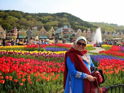 Kampoeng Tulip - Bandung