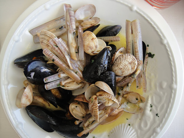 shellfish at Buca di Bacco, Positano