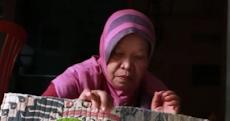 Dengan Usaha Kerajinan Kain Perca, Nenek Ini Masih Tetap Produktif