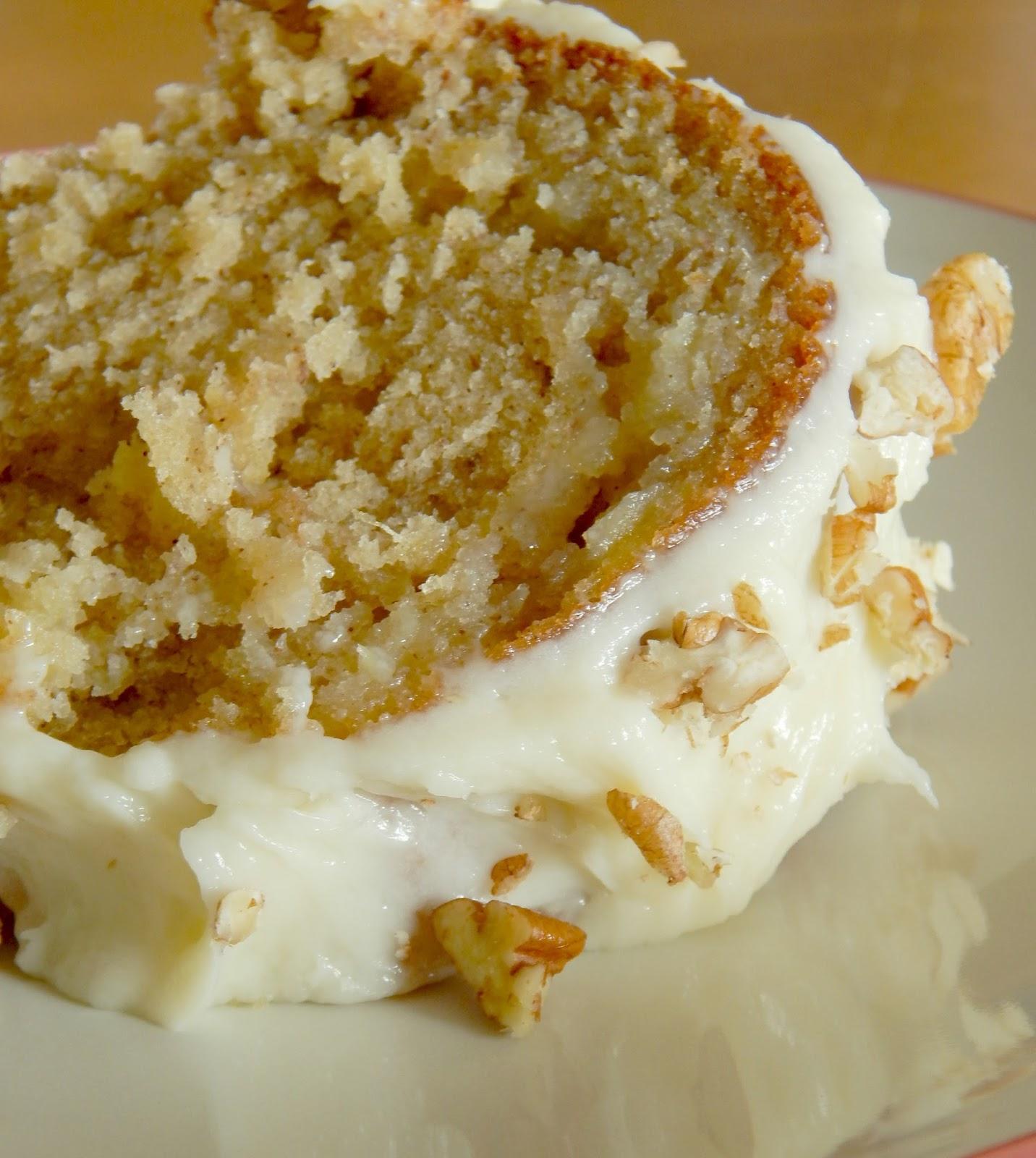 Ally\'s Sweet and Savory Eats: Hummingbird Bundt Cake with Pecan ...
