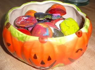 DIY-Halloween-Crayons