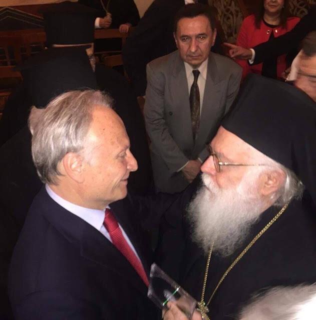 Στην ομιλία του Αρχιεπισκόπου Αλβανίας ο Γιάννης Ανδριανός