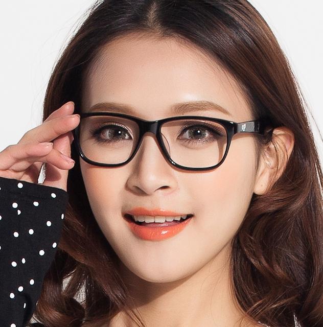 Tips Tampil Cantik Dengan Kacamata