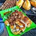 Thưởng thức bánh mỳ thịt nướng tại số 12 ngõ 20 Hồ Tùng Mậu, Cầu Giấy, Hà Nội