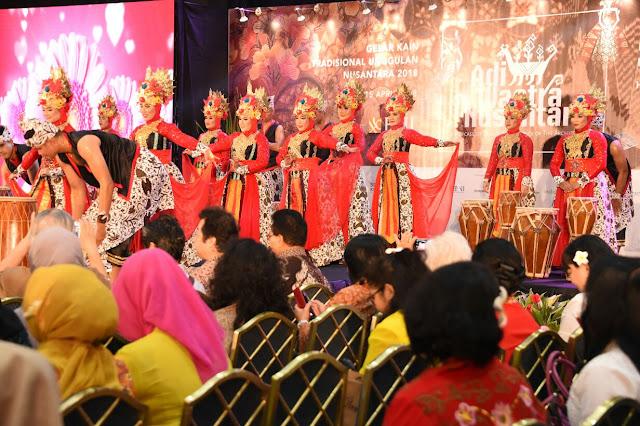Pameran Adiwastra Nusantara Mempertahankan Mutu Wastra Adati Tradisional