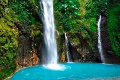 Pesona Wisata Air Terjun Dua Warna Sibolangit, Sumatera Utara