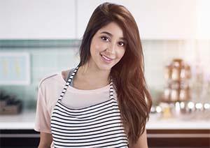 Aseel Omran Senyum