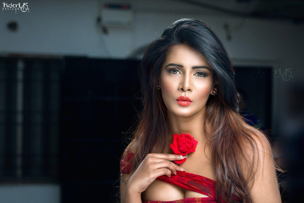 Meera Mitun Hot Photoshoot 2017