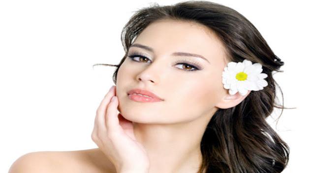 Cara mengatasi wajah berminyak secara alami dan cepat