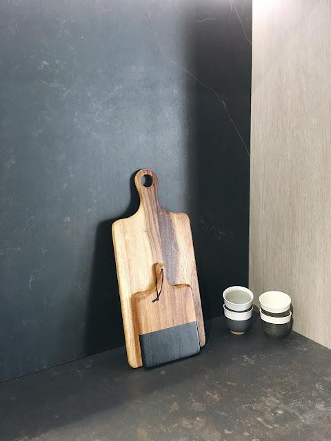 Nuove superfici per cucine e bagni minimali